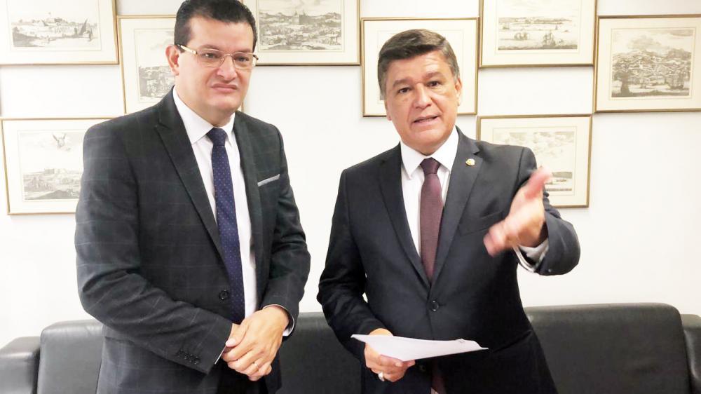 Vereador Samuel Pereira e senador Carlos Viana durante encontro em Brasília - Foto: Divulgação