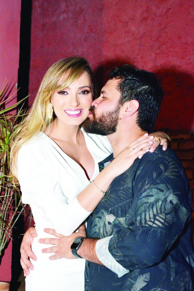 Ontem, sábado 28 de setembro foi dia do esperado casamento dos queridos Fernanda Benaventana e Guilherme Félix Machado. Felicidades sempre!!!!!