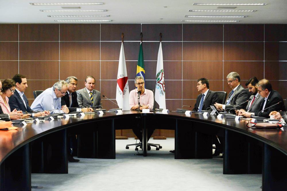 Com presença do governador Romeu Zema, foram apresentados ao Ministério Público e à Defensoria Pública de Minas 17 projetos para reparação da região - Foto: Gil Leonardi/Imprensa MG