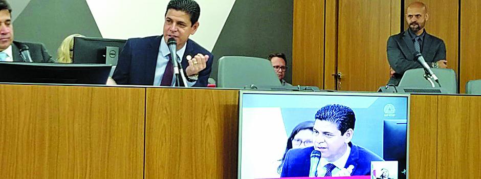 Sabatina com o chefe da PCMG, Wagner Pinto, durou cerca de duas horas - Foto: Divulgação/PCMG