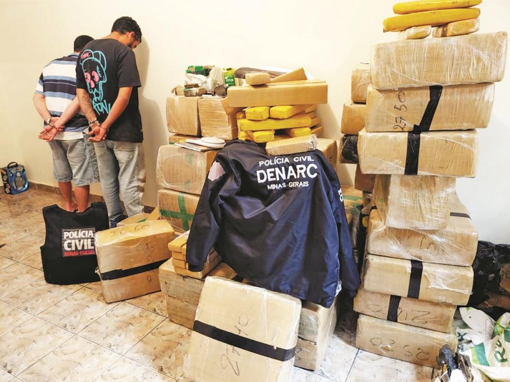 Drogas foram apreendidas com dupla em residência - Foto: Divulgação/PC
