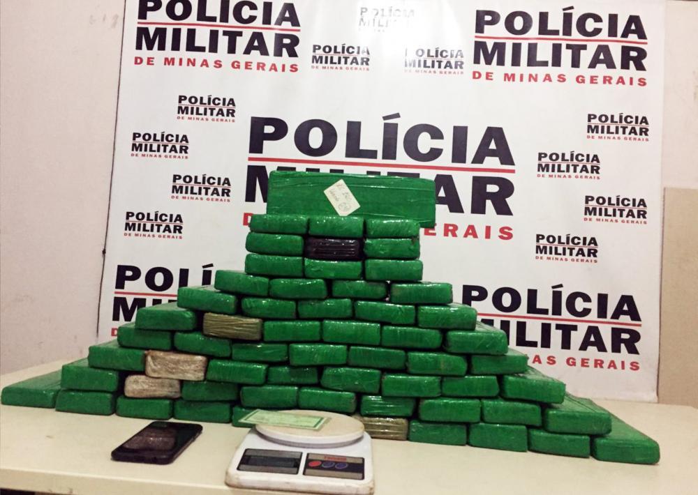 Maconha foi apreendida após perseguição: mais drogas foram encontradas em residência - Fotos: Juliano Carlos