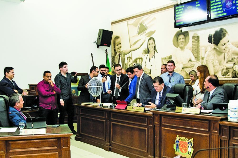 Vereadores aprovam a criação da CEI que vai apurar possíveis irregularidades no Departamento de Controle de Endemias e Zoonoses - Foto: Rodrigo Garcia/CMU