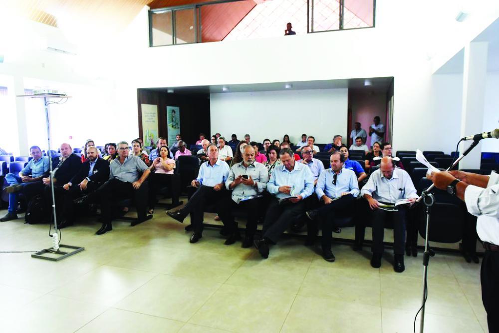 Prefeitura apresentou ontem as potencialidades da malha aeroviária do município e as novas oportunidades de voo da Passaredo - Foto: André Santos/PMU