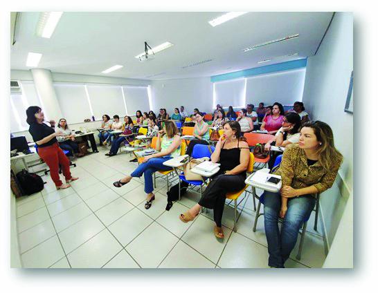 Servidores da SRS realizam o treinamento EpiSUS, com objetivo de fortalecer profissionais que trabalham na linha de frente para uma atuação mais rápida e efetiva - Foto: Divulgação/Sara Fernandes