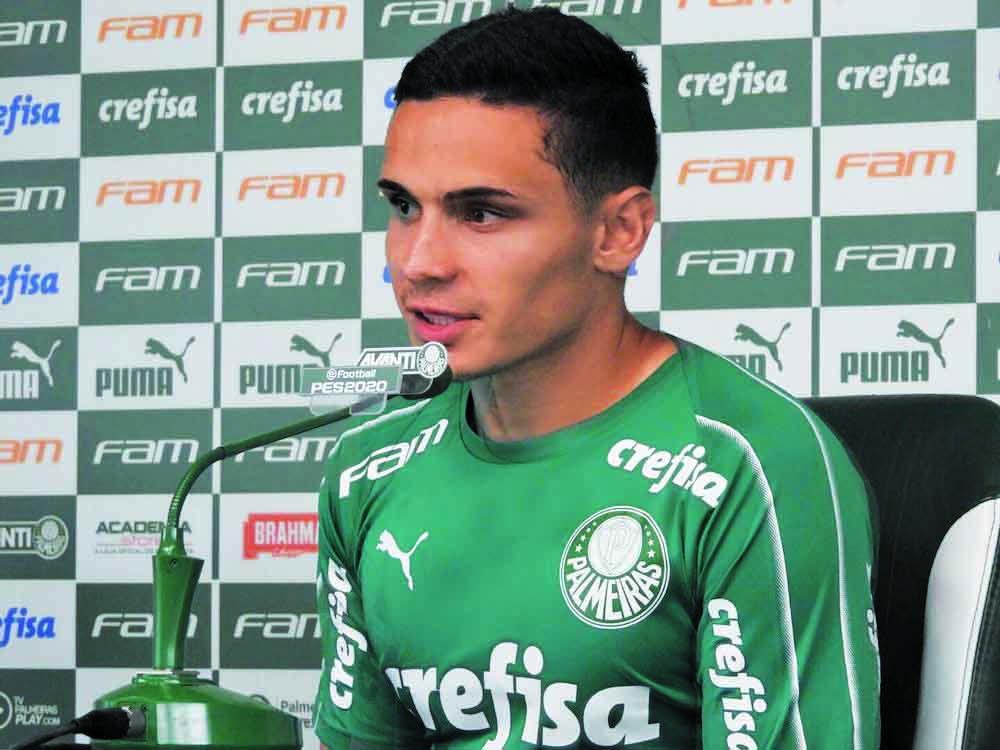 Raphael Veiga falou com a imprensa na sexta - Foto: Felipe Zito