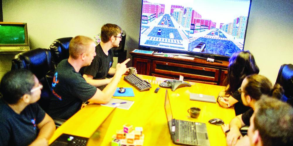 A pequena empresa de Michigan é especializada em robótica, sensores e simulação em tempo real