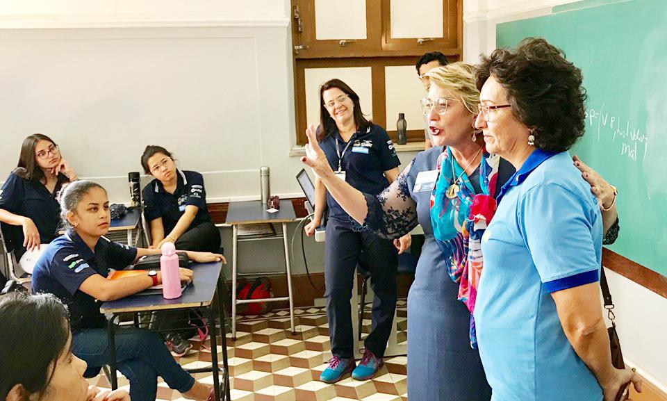 Governadora do Distrito 4770 do Rotary visita alunos do Centro Social Encantos Dominicanos - Foto: Divulgação