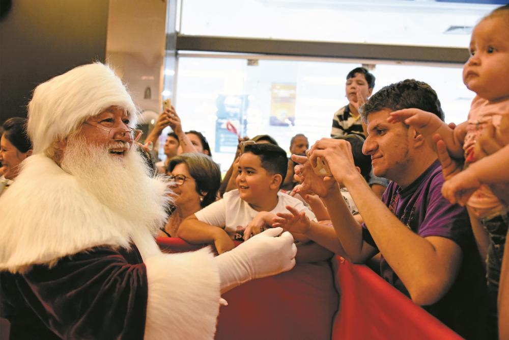 """O Papai Noel chega neste sábado ao Shopping Uberaba com direito a um belo e emocionante """"cenário cinematográfico"""""""