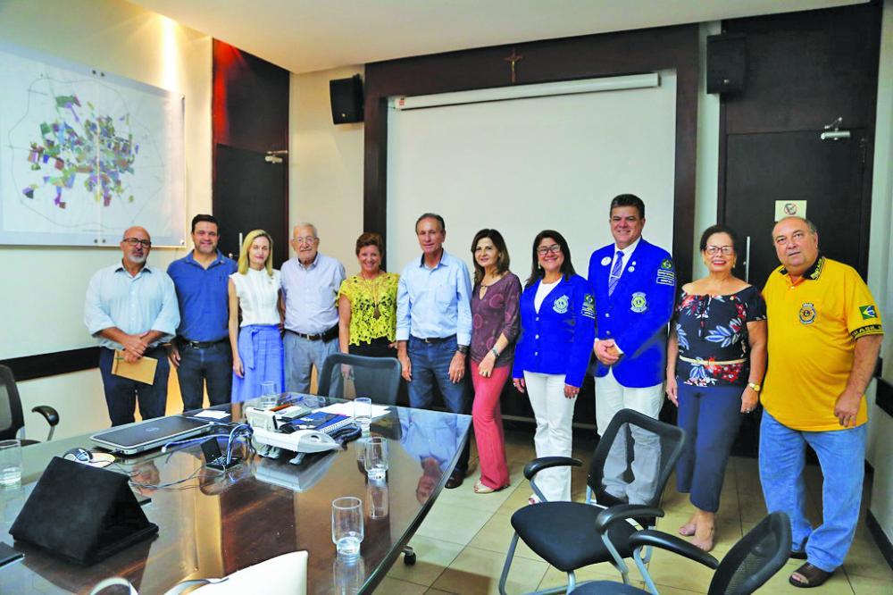 Prefeito Paulo Piau recebe integrantes do Lions Clube - Foto: Divulgação/PMU