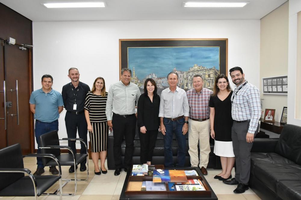 Prefeito Paulo Piau recebe a vice-presidente sênior da Mosaic Fertilizantes, Corrine Ricard e comitiva - Foto: Marco Aurélio/PMU