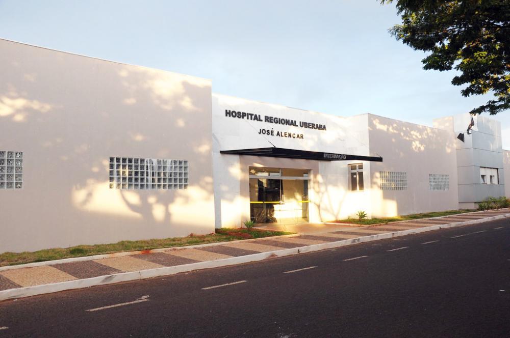 Municípios em dia com o contrato de rateio terão prioridade de atendimento no Hospital Regional - Fotos: Divulgação/PMU