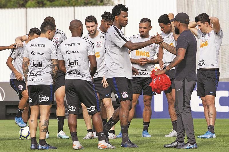 Escalação do Corinthians: Coelho consolida sistema, tem volta de trio e faz testes em três posições - Foto: Daniel Augusto Jr/Ag. Corinthians