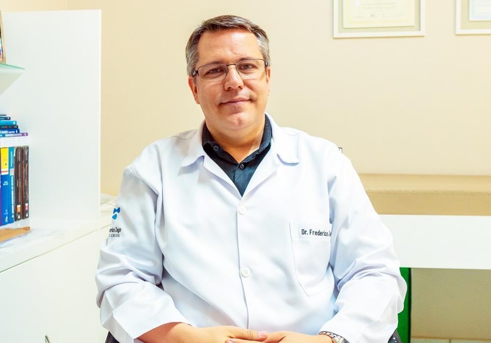 O especialista, Frederico Zago, explica que a sífilis não tratada adequadamente pode provocar complicações na saúde do individuo - FOTO: IMAGEM GO