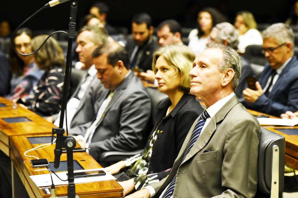 Prefeito Paulo Piau discute assuntos da região com deputados, Secretaria do Desenvolvimento Social e TCU - Foto: Divulgação