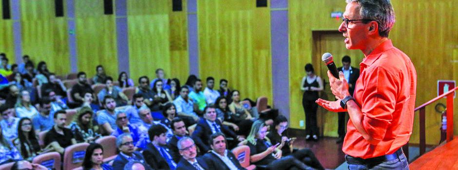 Zema elencou algumas medidas de contenção de gastos que adotou, além dos esforços para atração de investimentos - Foto: Pedro Gontijo / Imprensa MG
