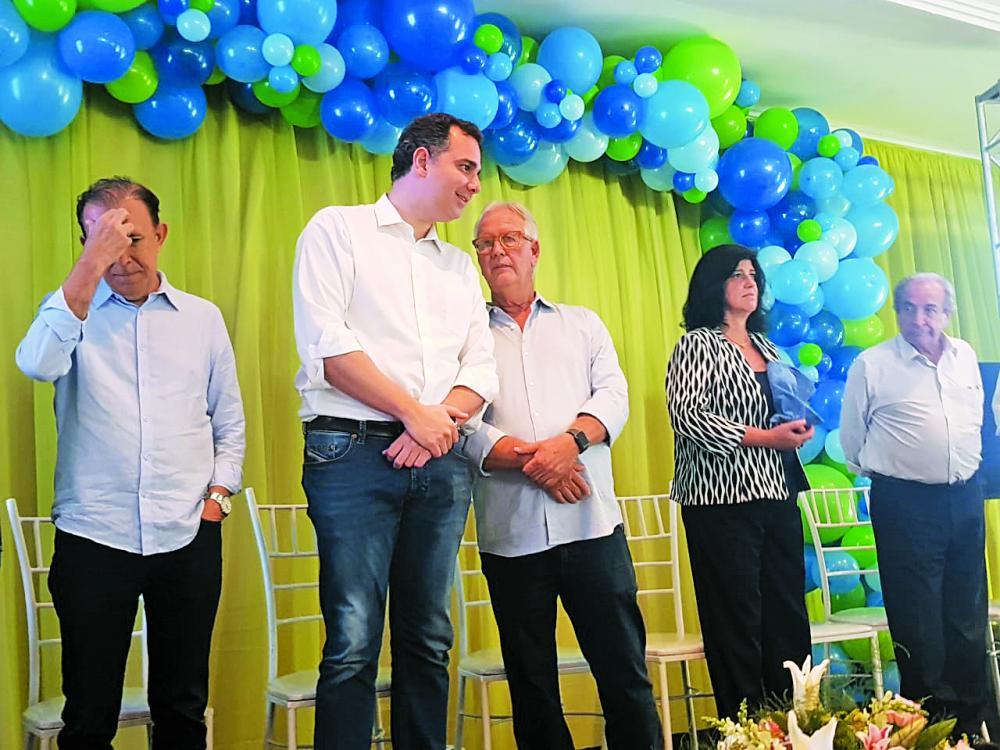 Presidente estadual do DEM, senador Rodrigo Pacheco, destacou os predicados de Luiz Guaritá - Foto: Divulgação