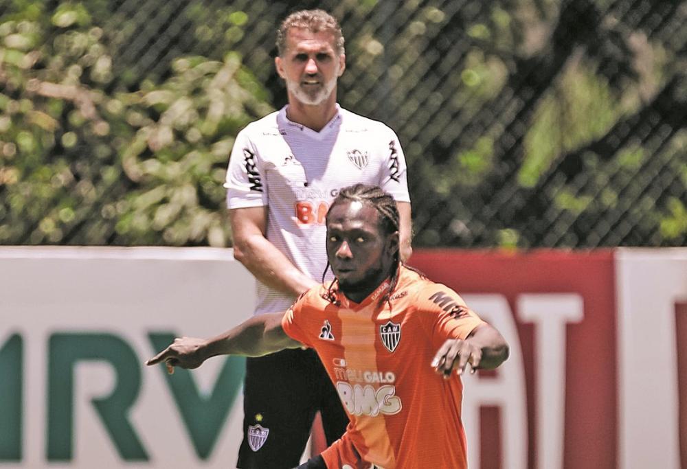 Técnico Vagner Mancini adianta retorno do meia-atacante colombiano para o jogo de domingo; Chará não atua desde 29 de setembro, quando lesionou a coxa - Foto: Bruno Cantini/Atlético-MG