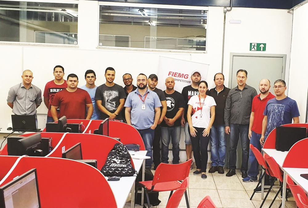O curso conta com 12 técnicos de empresas associadas e três instrutores do Senai - Foto: Divulgação