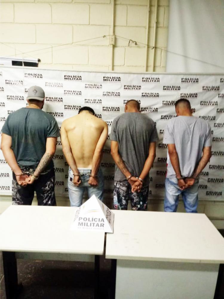 Acusados de vários roubos de veículos nos últimos dias foram capturados pela PM