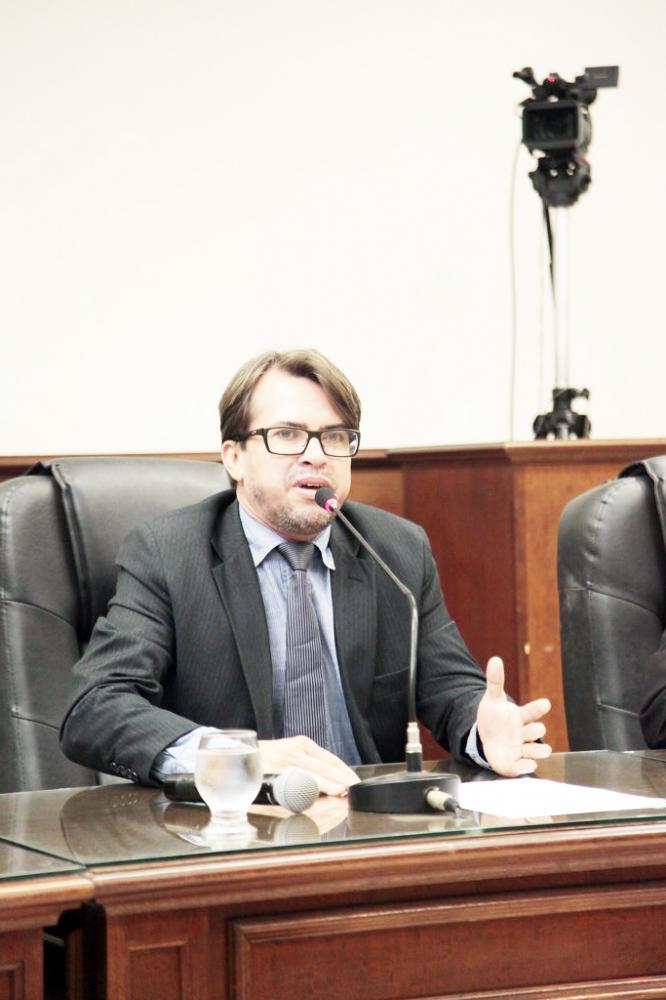 """Varciel Borges Rodrigues, o """"Varciel Cabeleireiro"""", assume uma cadeira na Câmara Municipal"""