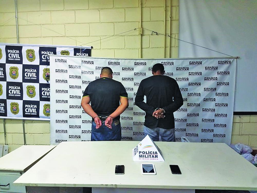 Acusados foram detidos após perseguição policial - Foto: Juliano Carlos