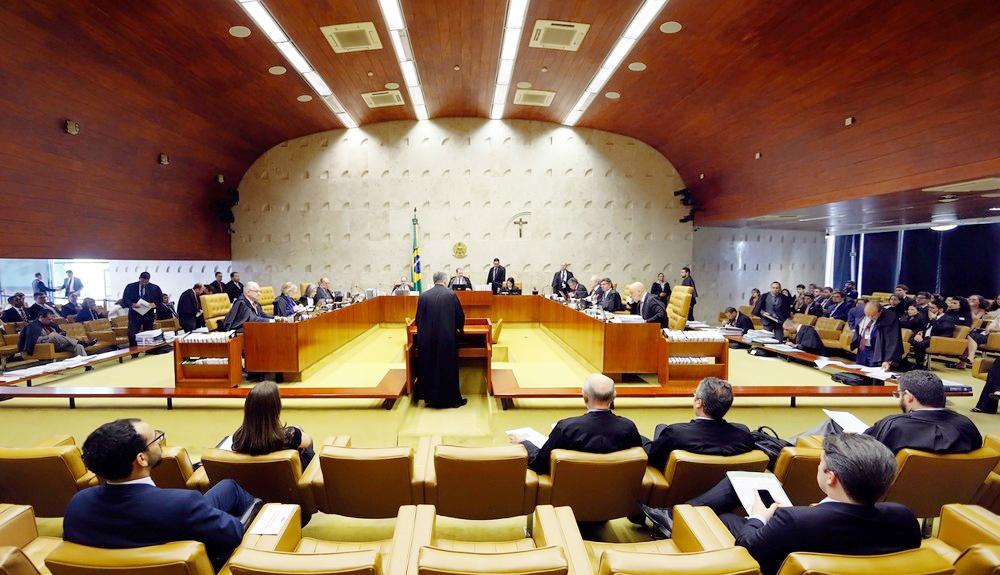 Ministros e advogados no plenário do Supremo Tribunal Federal durante a sessão de quinta-feira (5) - Foto: Rosinei Coutinho/SCO/STF