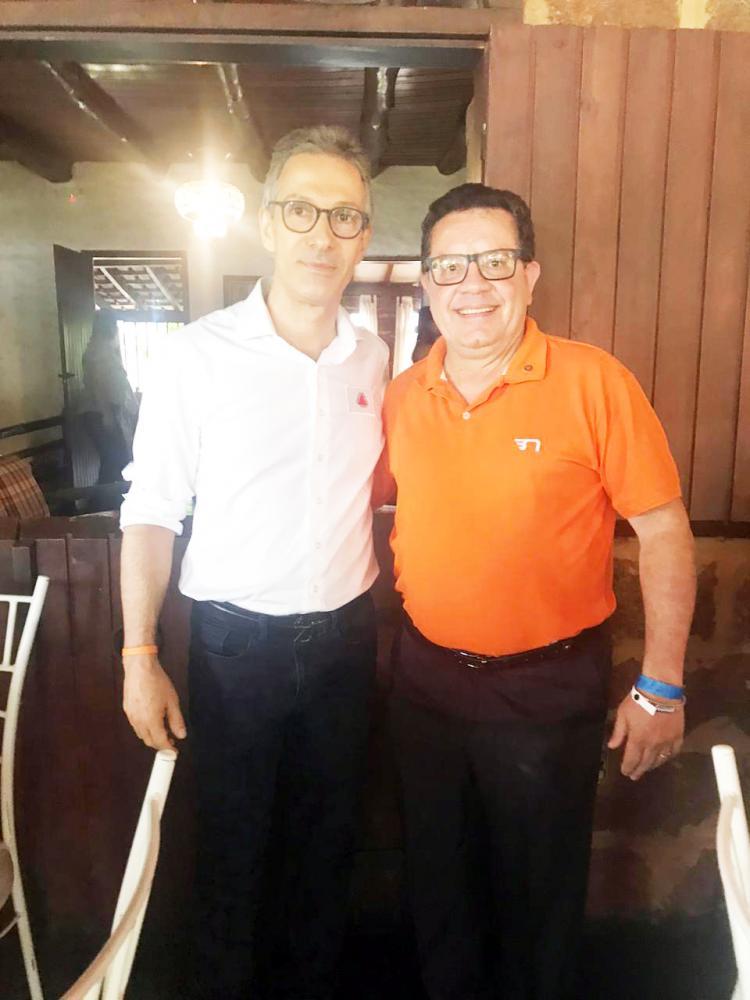Governador Romeu Zema com o advogado e rotariano Arlindo Felix Costantin - Foto: Divulgação