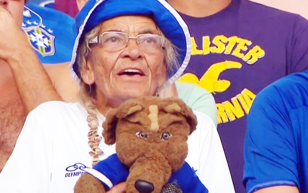 Torcedora-símbolo do Cruzeiro, Dona Salomé ia a todos os jogos do Cruzeiro - Foto: Créditos Bruno Furtado