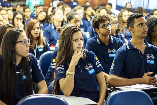 Alunos do Curso Técnico em Administração do Centro Social Encantos Dominicanos