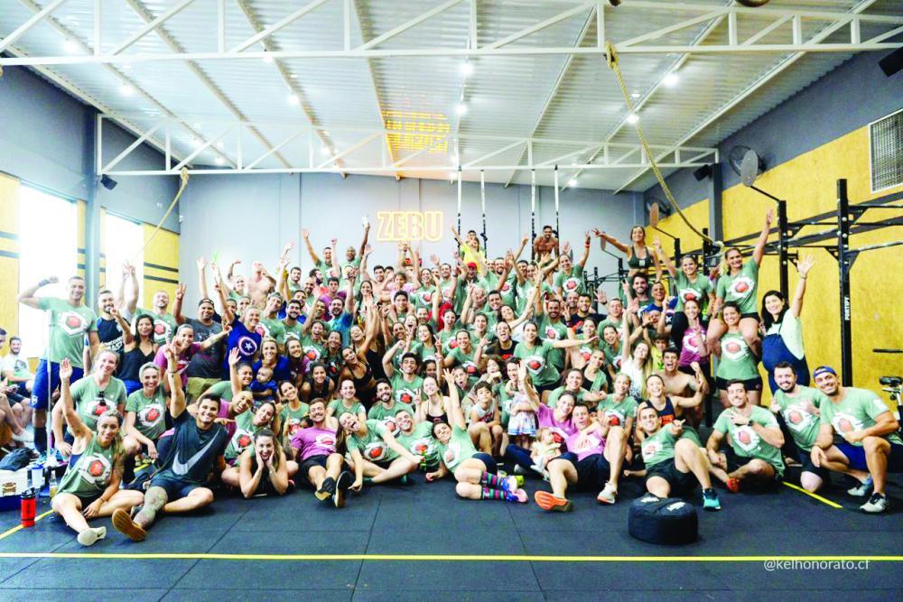 Foi um sucesso o 2º Zebu Games do CrossFit Zebu que aconteceu no último final de semana. Foram quase 100 participantes que se dividiram em trios iniciantes, duplas RX e quartetos scale. Logo após as competições a turma do CrossFit se reuniu para uma confr