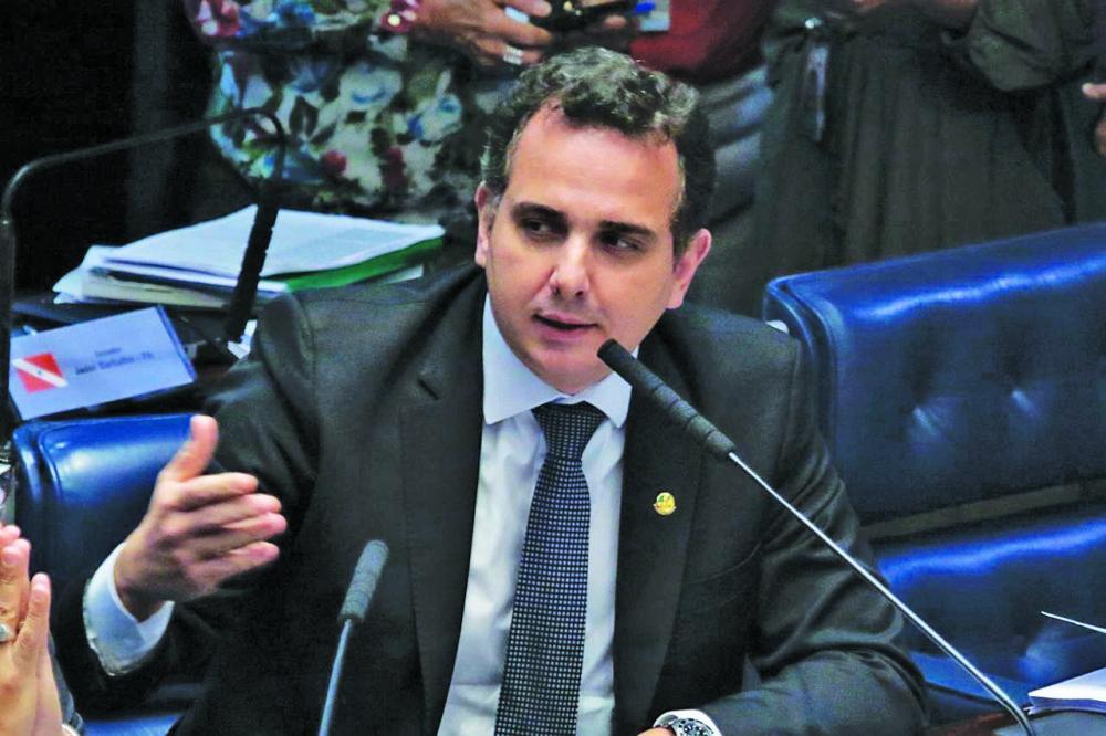 Líder do Democratas no Senado, Rodrigo Pacheco, apresentou no Plenário o parecer favorável ao texto - Foto: Divulgação