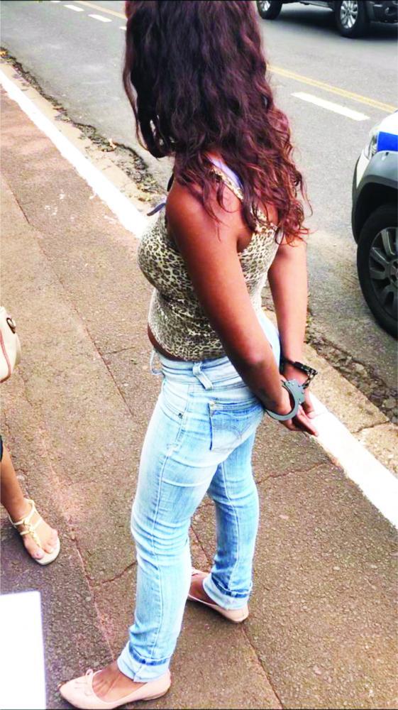 Mulher foi presa pela PM na Vila Olímpica - Foto: Divulgação
