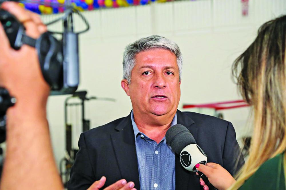 Presidente da Funel, Luiz Alberto Medina entrega hoje a nova Praça de Esportes para a comunidade - Foto: Neto Talmelli