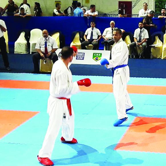 Karateca de Uberaba, Reginaldo Damião com várias conquistas no ano - Fotos: Divulgação