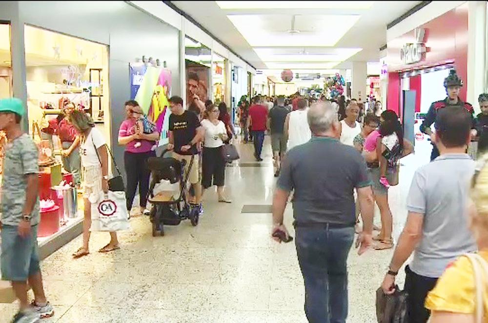 Vendas crescem 9,5% e lojas de shoppings têm o melhor Natal desde 2014 - Foto: Reprodução/TV Vanguarda