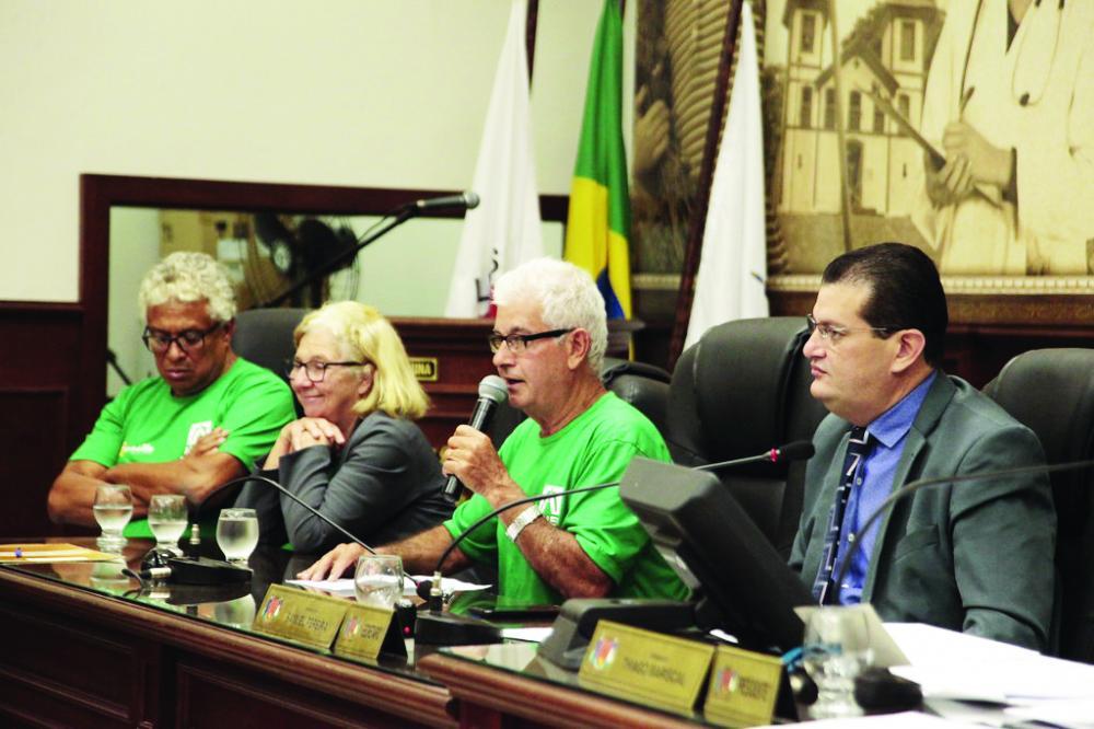 Diretoria da Asmed acompanha a votação na Câmara