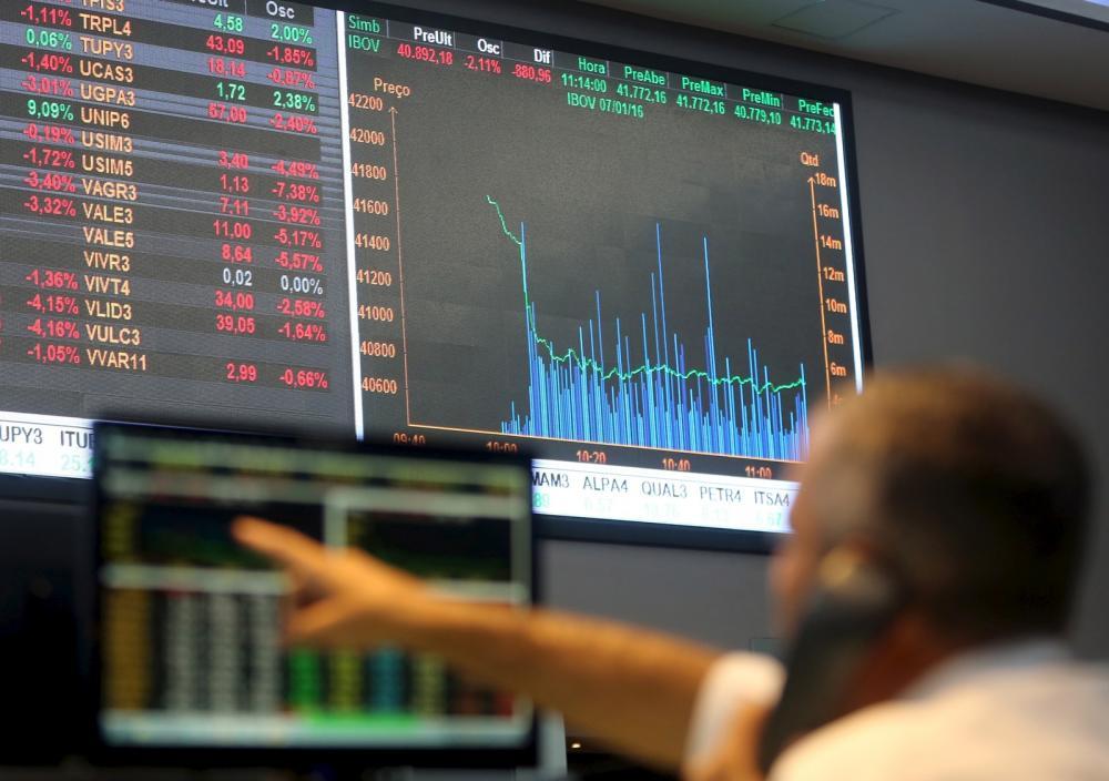 Estrangeiros compraram R$ 1,89 trilhão e ações na B3 em 2019, mas venderam R$ 1,94 trilhão - Foto: Paulo Whitaker/Reuters