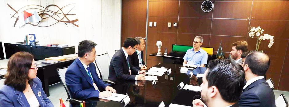Governador Romeu Zema recebe executivos da fabricante de equipamentos XCMG - Foto: Gil Leonardi/Imprensa MG