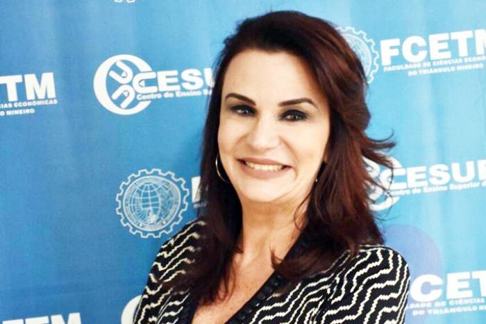 Diretora Geral do Cesube-FCETM, Giovanna Meirelles, comemora aprovação pelo MEC do Curso de Odontologia e Agronomia em 2020 - Foto: Divulgação
