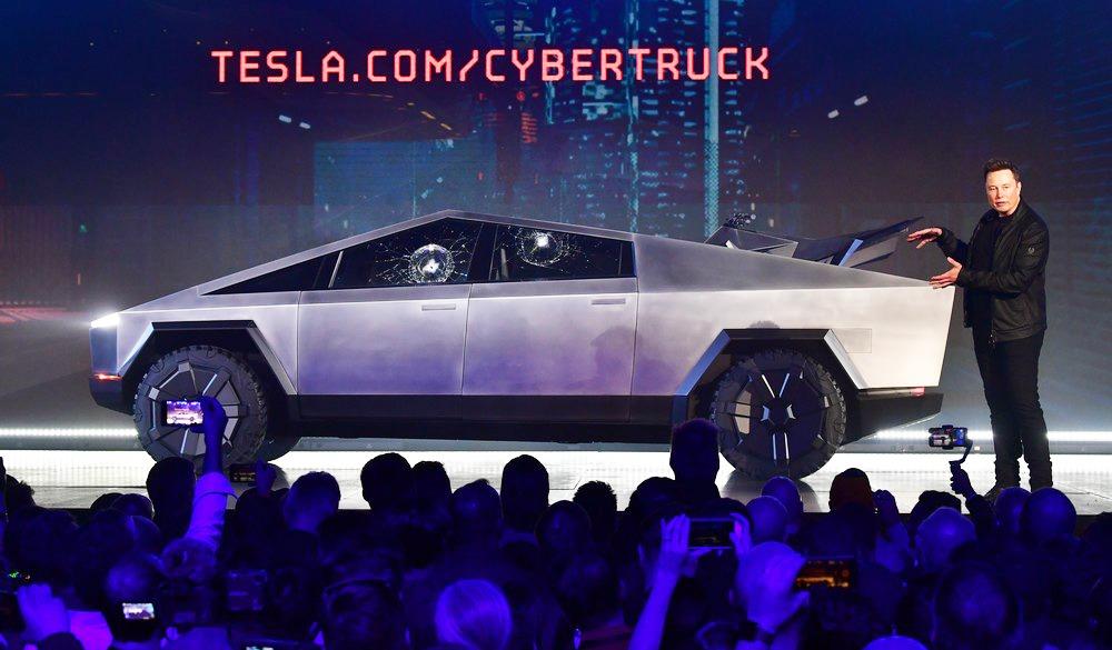 Lucro no terceiro trimestre, progresso de fábrica na China e entregas acima do esperado puxaram alta de valor de mercado da Tesla - Foto: AFP