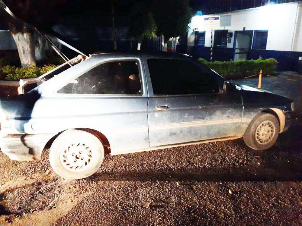 Carro do suspeito foi encontrado pela PM após denúncias anônimas - Foto: Divulgação