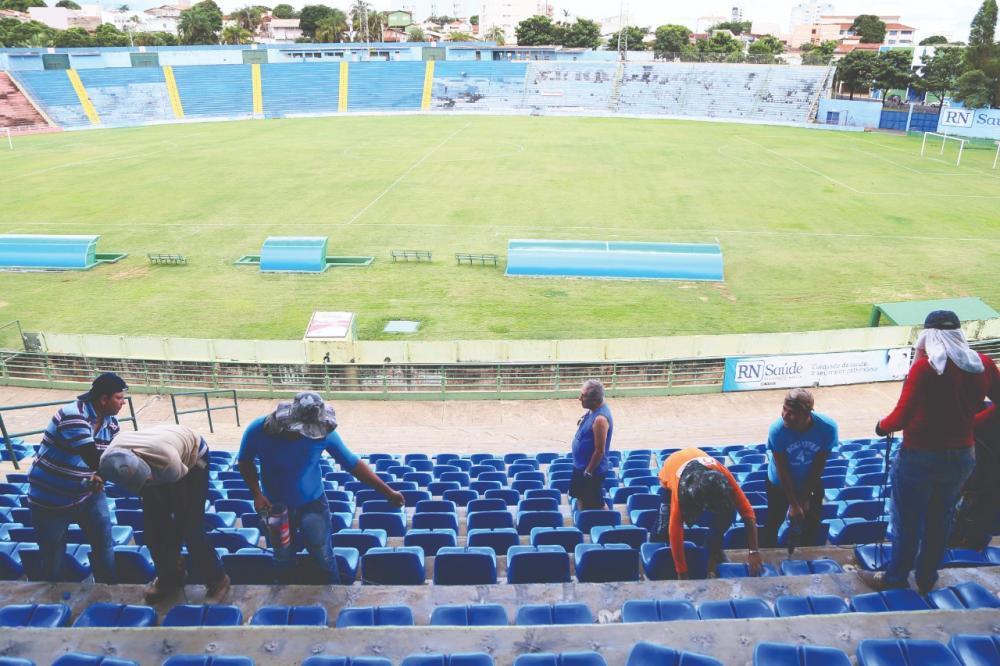 Reforma no Uberabão irá atender várias frentes, como gramado e setor de cadeiras, para garantir mais comodidade ao público - Foto: Neto Talmelli