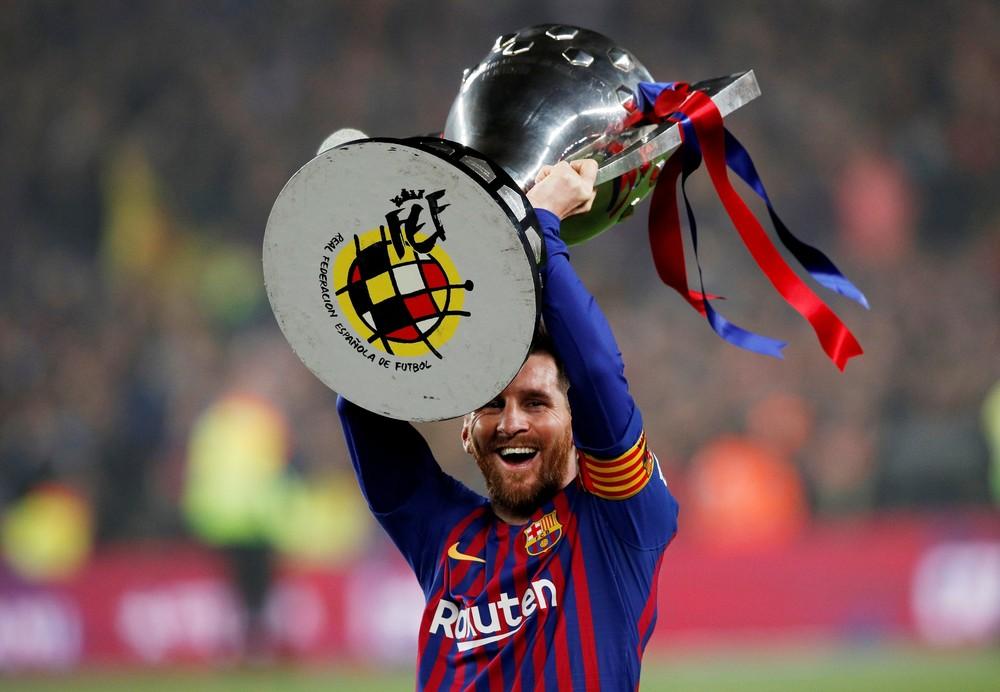 Barcelona conquistou apenas a taça do Campeonato Espanhol na temporada passada - Foto: Reuters
