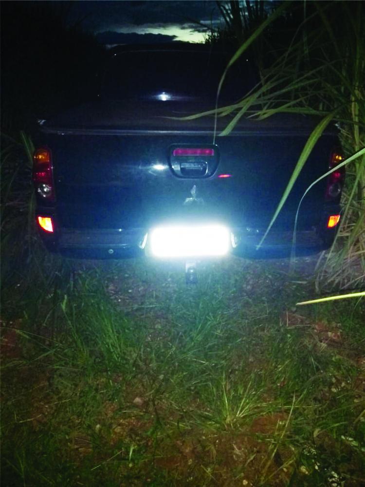 Roupa de um acusado foi apreendida com o veículo - Foto: Juliano Carlos