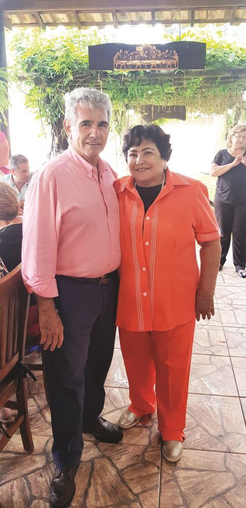 Maria Cleide e João Ângelo Guidi comemoraram 52 anos de união matrimonial e o aniversário dela com bela festa na Fazenda Santo Ângelo no último sábado (11)
