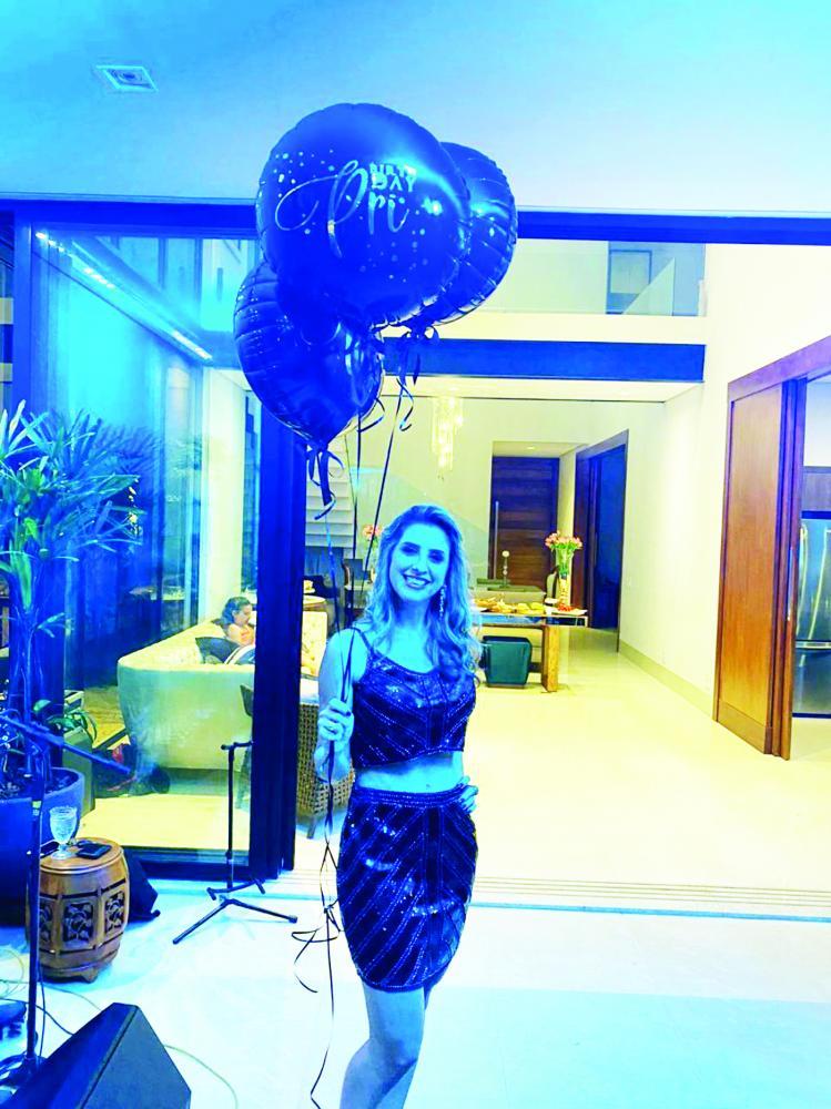 A linda médica Priscila Rezende comemorou o aniversário rodeada de amigos e familiares