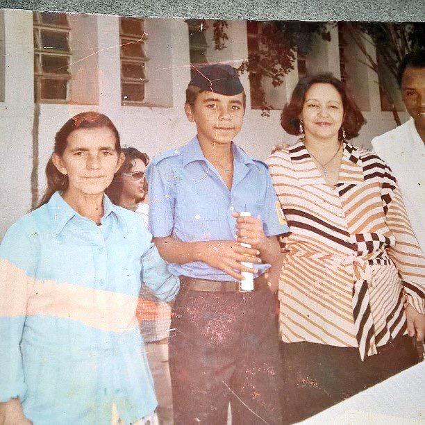 LEMBRANÇAS Vereador Almir Silva completa 35 anos de formatura no antigo Combem embrião da nossa Feti ao lado da ex-primeira dama Isabel do Nascimento