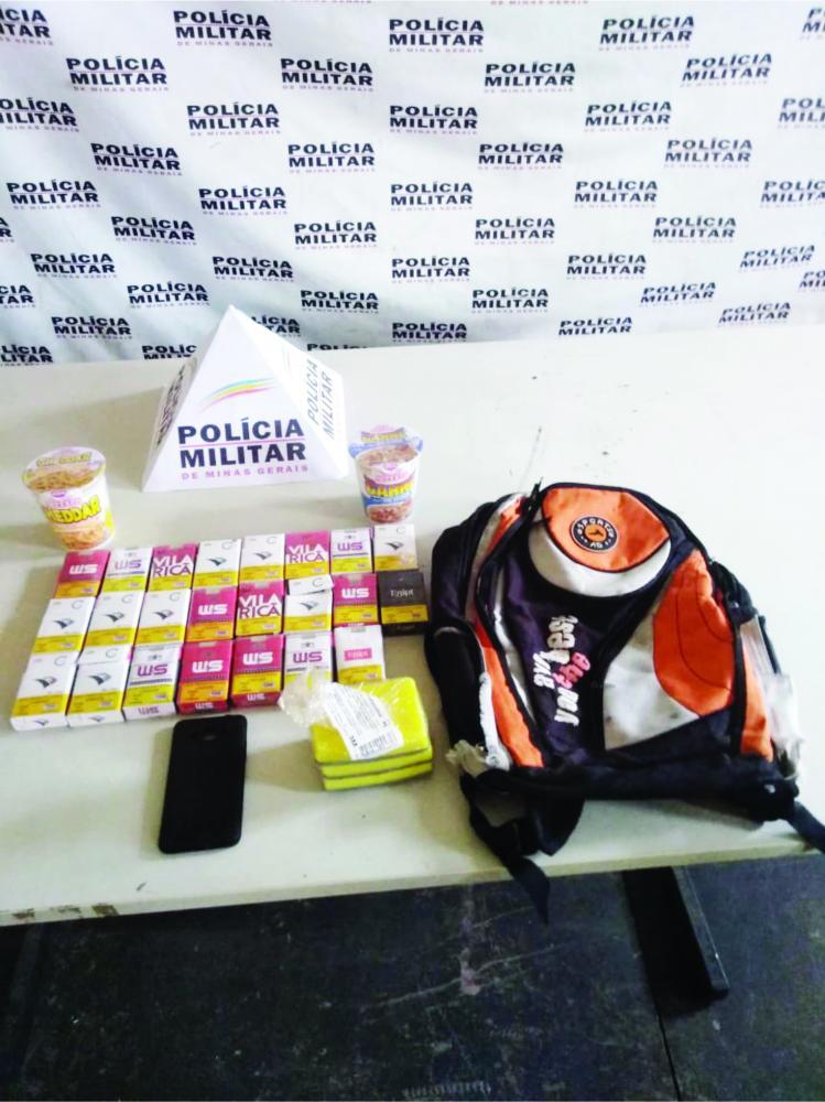 Parte das mercadorias roubadas foram apreendidas na casa do suspeito - Foto: Juliano Carlos