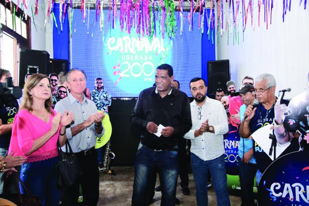 Programação do carnaval é lançada pelo prefeito Paulo Piau e presidente da Fundação Cultural, Ronaldo Amâncio, com anúncio de Jorge Aragão e Tchakabum e folia em bairros rurais - Foto: Flávio Salge/FCU